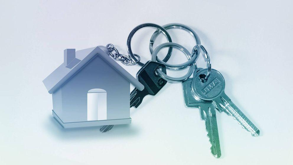 ¿Es legal que mi casero se quede con un juego de llaves del piso que me alquila?