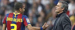 Foto: Dani Alves vuelve a romper el código de Guardiola y ataca de nuevo al Madrid