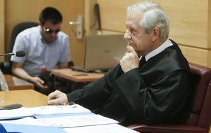 Un juez expulsado y un preso por terrorismo litigan por Bárcenas