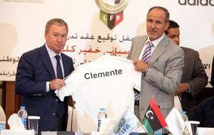 Libia gana el primer título de su historia gracias a Javier Clemente