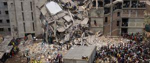 Aumentan a 572 los muertos en el derrumbe de Bangladesh