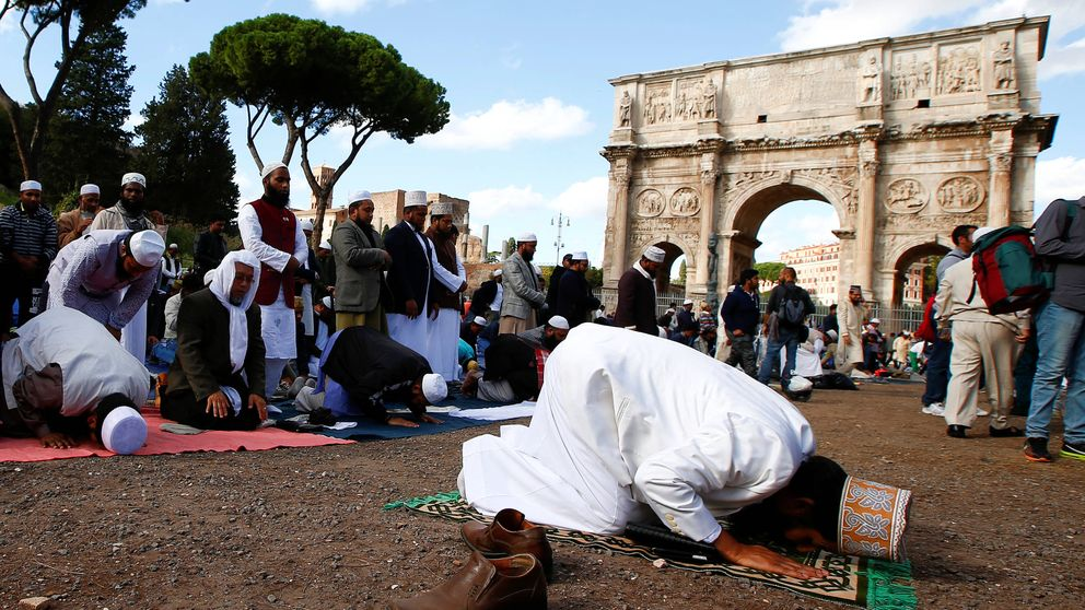 Un partido de musulmanes conversos y otro antiislam: la inmigración polariza Italia