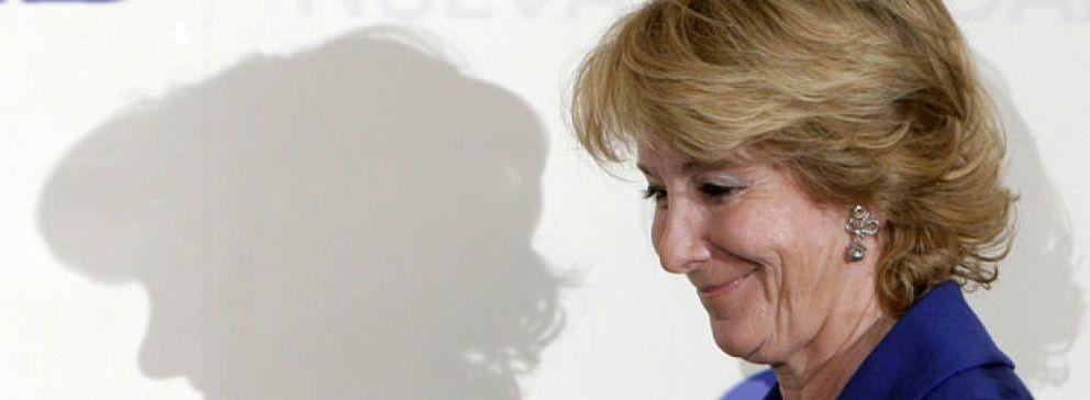 Foto: Aguirre vuelve a repartir las televisiones locales a sus 'afines': Cerezo, la Cope y Losantos