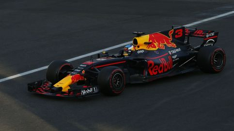 Vettel y Hamilton regalan a Ricciardo un triunfo caótico; podio de Stroll, Alonso 9º