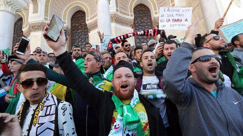 La protesta no se apaga: decenas de miles de argelinos vuelven a la calle contra Bouteflika