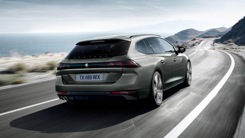 El Peugeot 508 SW Hybrid 225 homologa un gasto medio de 1,5 l/100 km, pero si agotamos su batería el promedio en autovía, circulando a 120 km/h, es de 7 l/100 km.