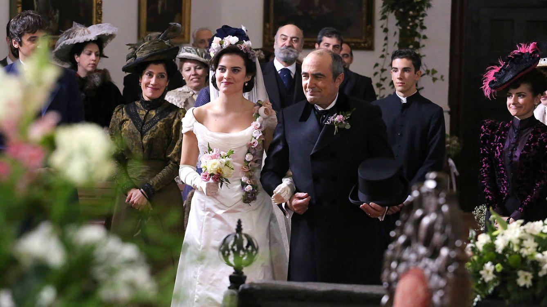 'Acacias 38' celebra la esperada boda de Víctor y Luisa, y recibe a nuevos vecinos