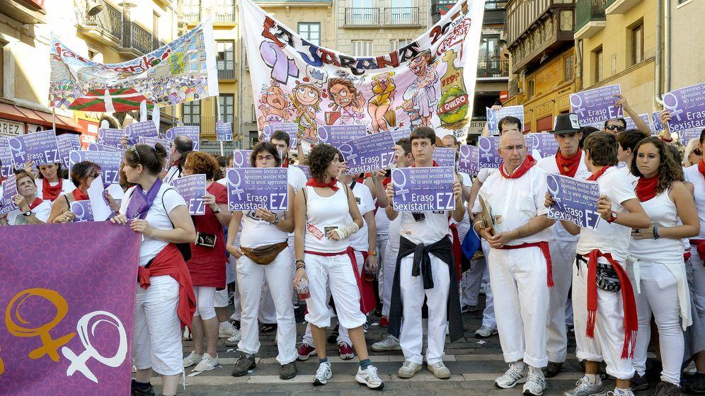 Foto: Concentración en Pamplona contra las agresiones sexuales. (Efe)