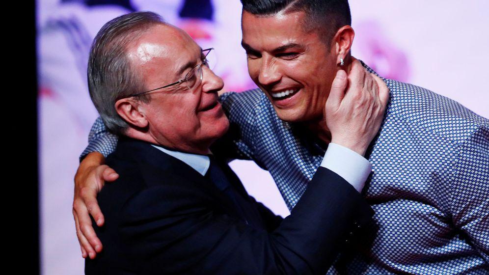 Foto: Cristiano Ronaldo y Florentino Pérez en el pasado mes de julio. (Reuters)