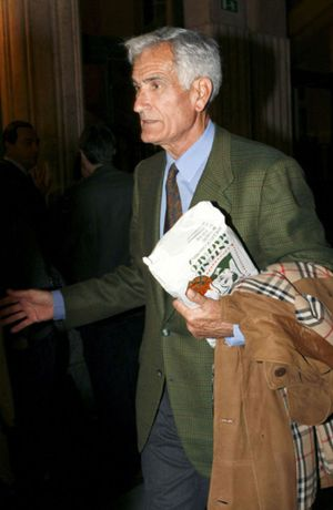 El Supremo confirma la condena a Rafael Vera por el 'caso de los Maletines' y rebaja la pena de su secretario personal