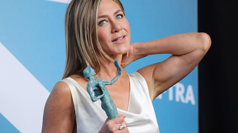 Jennifer Aniston nunca olvida los brazos en su rutina de entrenamiento. (EFE)