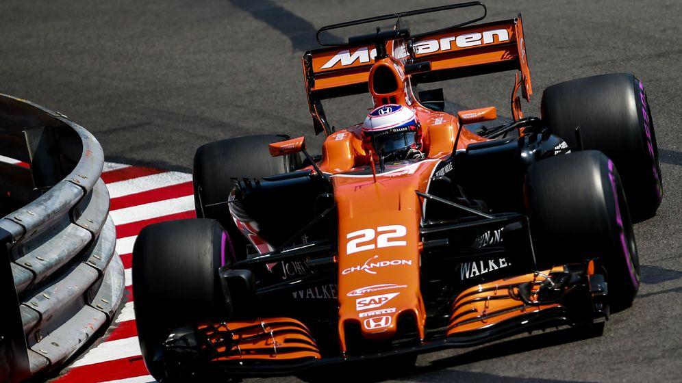 Foto: Jenson Button con su McLaren en su único sábado del año. (EFE)