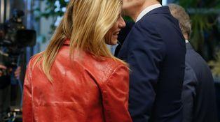 Sánchez logra lo imposible: hacer el ridículo en un debate contra Rajoy