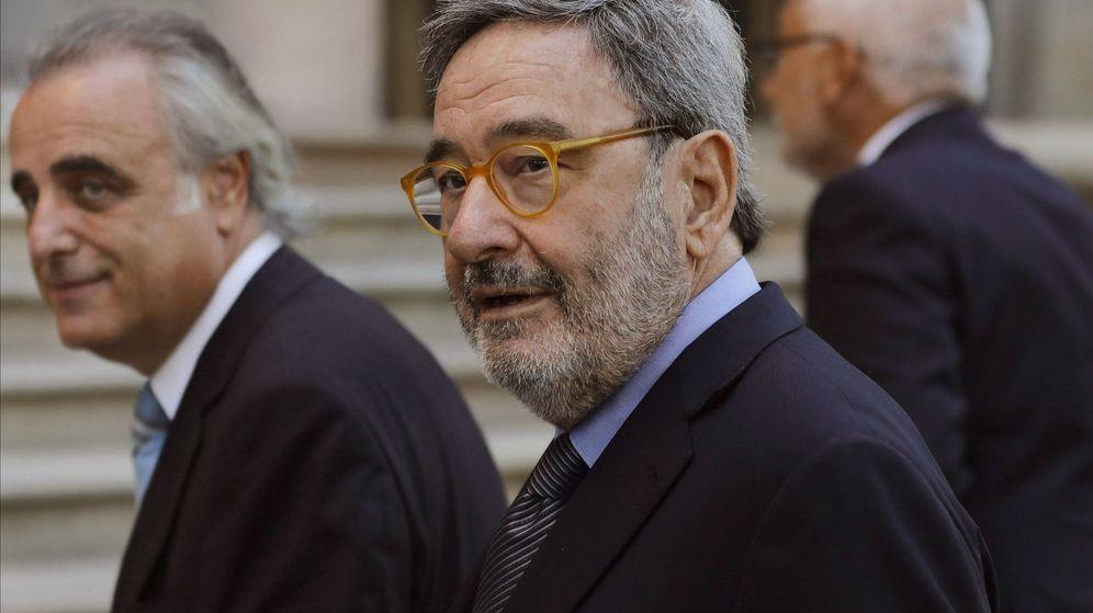 Foto: El ex presidente de Caixa Catalunya, Narcís Serra, a su llegada a la Audiencia de Barcelona. (EFE)