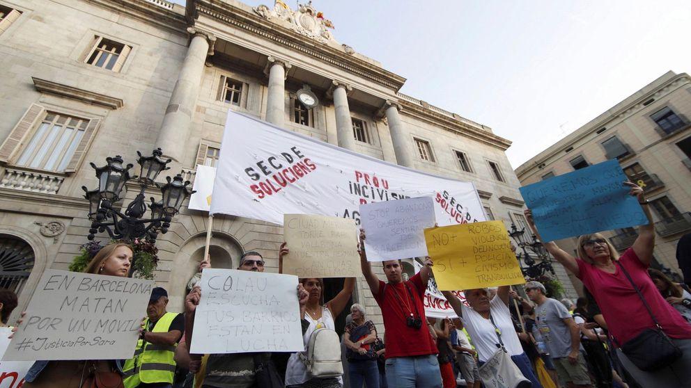 Vecinos y comerciantes salen a la calle en Barcelona contra la inseguridad ciudadana