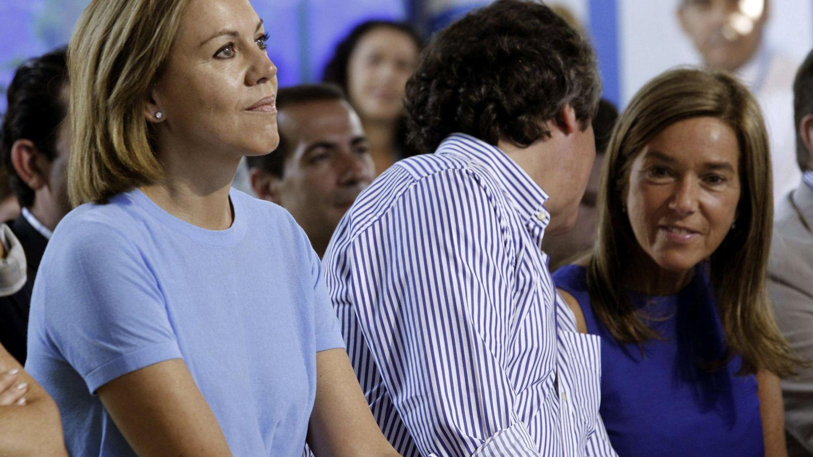Foto: Dolores de Cospedal y Ana Mato, en un acto del PP de 2014. EFE/Zipi