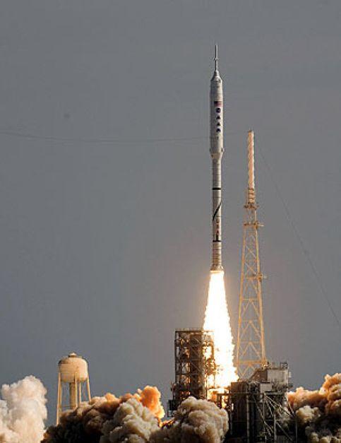 La NASA lanza un cohete en pruebas como primer paso para volver a la Luna
