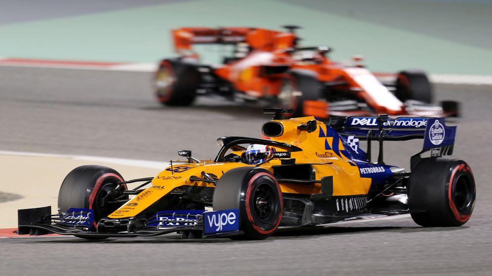 Foto: Carlos Sainz durante los entrenamientos libres de Bahréin. (Reuters)