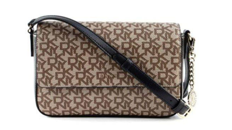 Bolso de DKNY perfecto para enamorar a cualquier fashionista. (Cortesía)