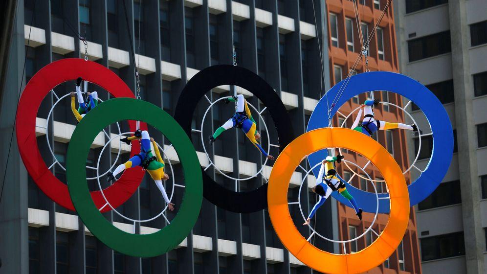 Foto: Lo anillos olímpicos en la avenida Paulista de Sao Paulo (Paulo Whitaker/Reuters)