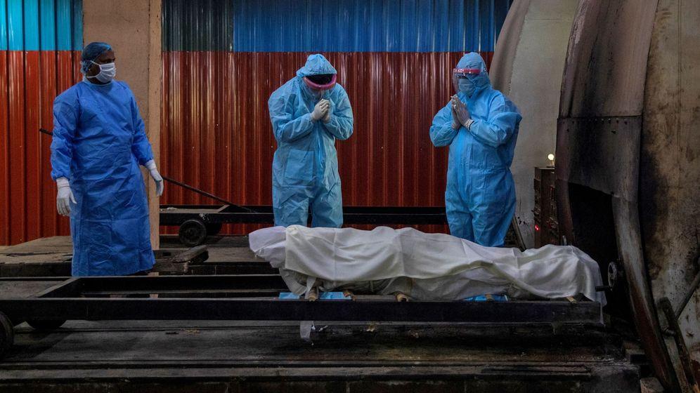 Foto: Los familiares no pudieron despedirse de su ser querido (Reuters/Danish Siddiqui)