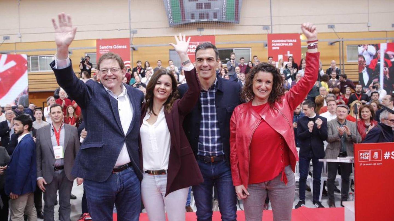 Ximo Puig, Sandra Gómez, Pedro Sánchez y Mercedes Caballero, en Valencia.