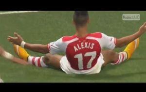 En el Arsenal, Alexis Sánchez también mete golazos de falta