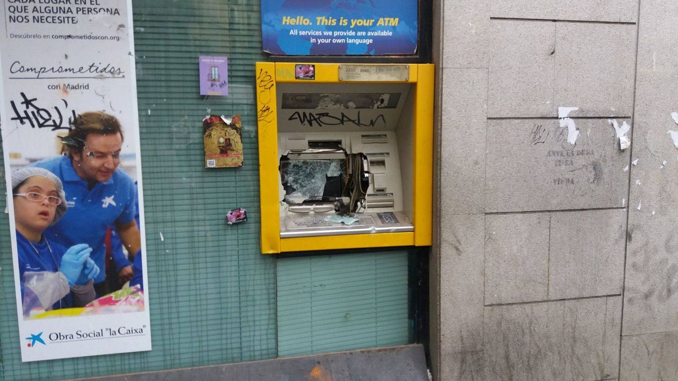 Noticias de madrid as qued lavapi s tras los disturbios for Oficinas caixa madrid