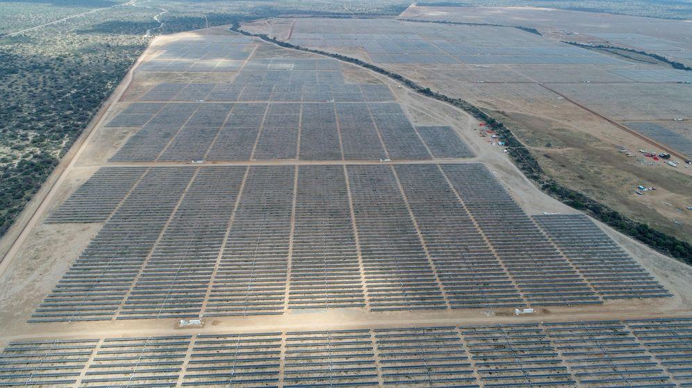 Foto: Vista aérea de la planta fotovoltáica del municipio de Villa de Arriaga, en San Luis Potosí (México). (EFE)