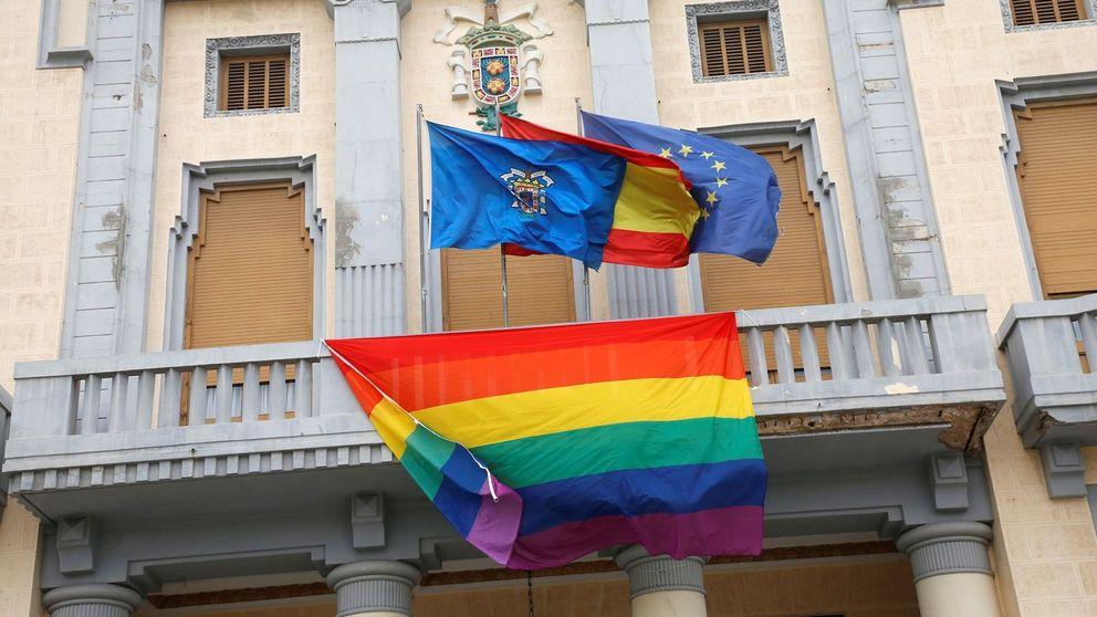 Una pareja de trans denuncia haber sido agredida e insultada por su condición sexual