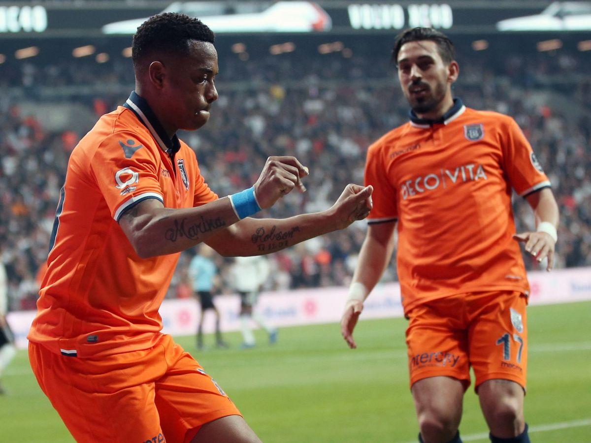 Foto: Robinho celebra un gol al Besiktas en la liga turca con el Basaksehir (Efe).