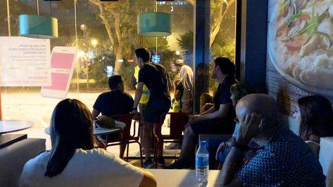 Cinco horas atrapados en un Telepizza viendo cómo ardía Barcelona