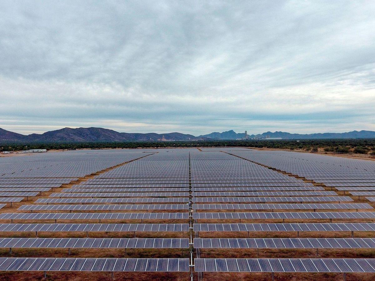 Foto: Un parque solar de Iberdrola. (EFE)