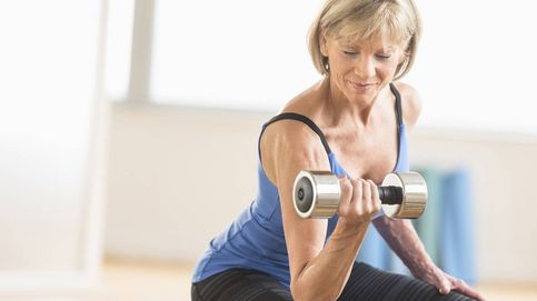 Si estás en la menopausia, haz pesas