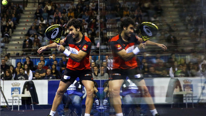 Foto: Pablo Lima comparte el número uno de la clasificación con Fernando Belasteguín (Javier Etxezarreta/EFE)