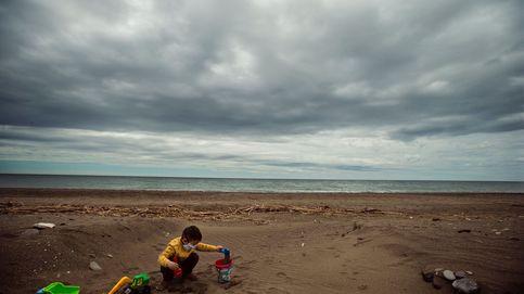 Andalucía plantea playas con la mitad de aforo, control policial y sin juegos