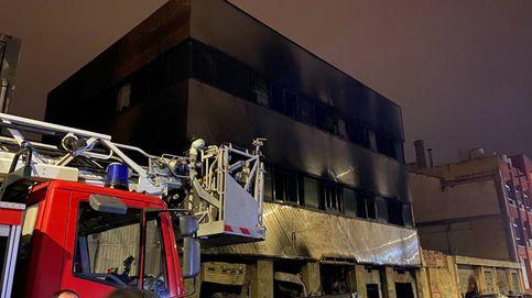 El incendio de anoche en Badalona, en imágenes