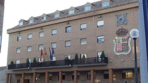 La alcaldesa de Móstoles (PSOE) ficha a su hermana para llevar las redes por 52.000€