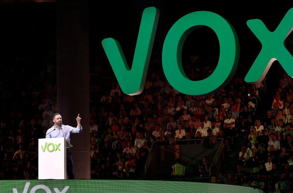 Foto: Santiago Abascal, el pasado 6 de octubre, en el mitin de Vox en el Palacio Vistalegre de Madrid. (EFE)