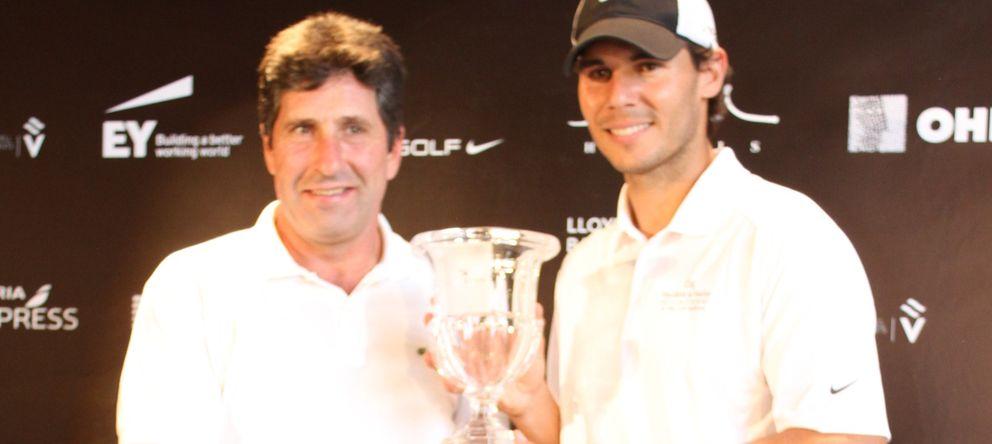 Foto: Olazábal y Nadal, con el trofeo.