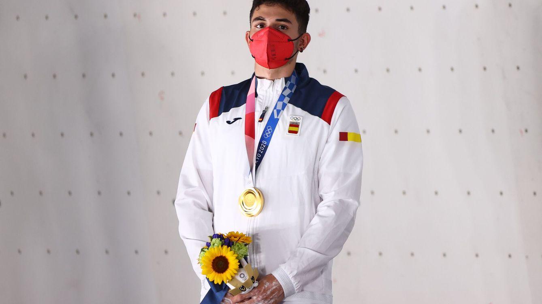 Alberto Ginés da la sorpresa: suma oro para España en el debut de la escalada olímpica