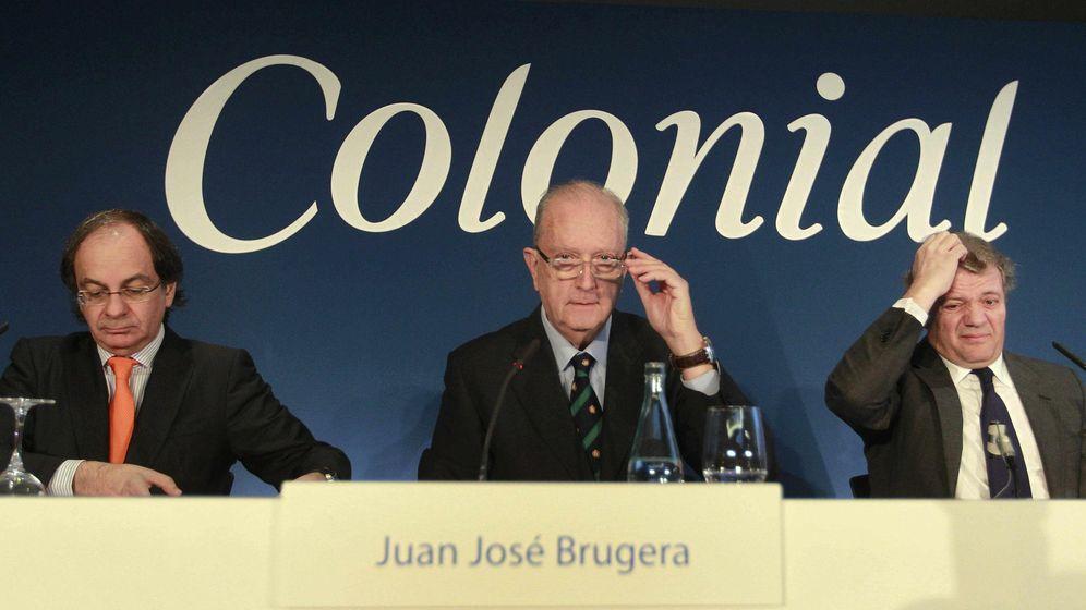 Foto:  José Bruguera (c) presidente, Pere Viñolas, consejero delegado (i) y Francisco Palà del consejo de administración (EFE)