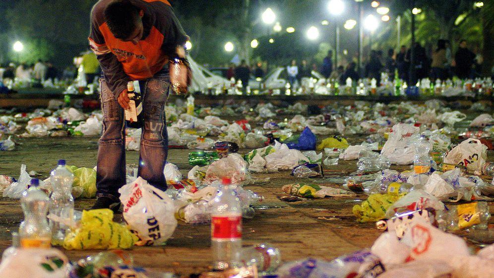 Foto: ¿Adiós al botellón? (Reuters/Francisco Bonilla)
