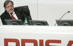 Mediaset suma 400 millones de caja para afrontar el asalto a Canal+