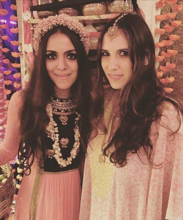 Foto: Tatiana Santo Domingo junto a su socia Dana Alikhani (Instagram)
