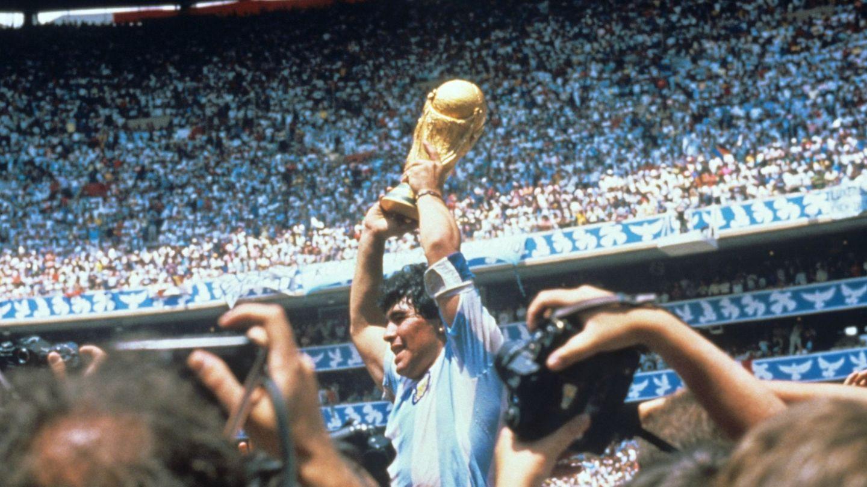 Maradona, tras ganar el Mundial en 1986 (EFE)