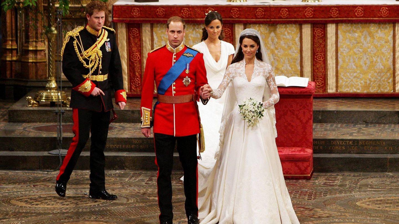 El príncipe Guillermo y Kate Middleton ya convertidos en marido y mujer. (EFE)