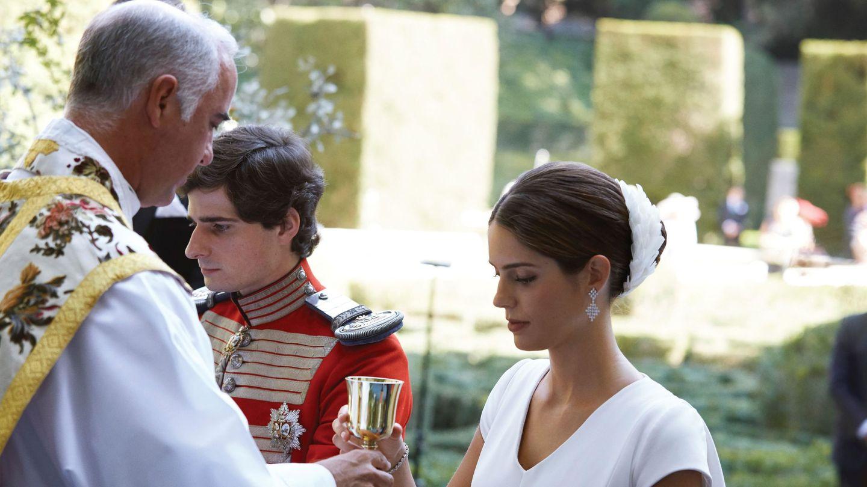 El sacerdote Ignacio Jimenez Sánchez-Dalp, en la ceremonia que unió a los duques de Huéscar. (EFE)