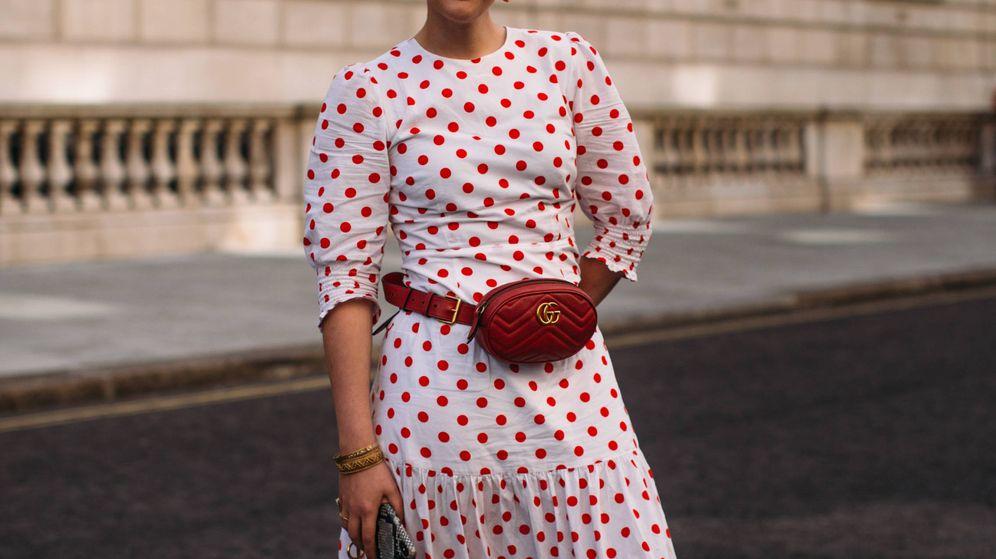 Foto: Los vestidos de lunares se mantienen como tendencia (Imaxtree)