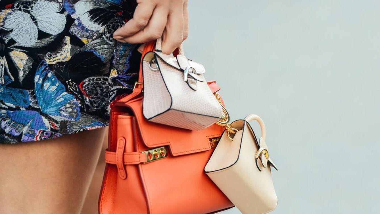 ¿A qué se debe el amor por los bolsos (ridículamente) minúsculos?